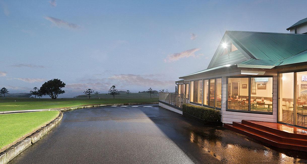 INDUSTRALIGHT_The_Coast_Golf_Club_High_Facade1