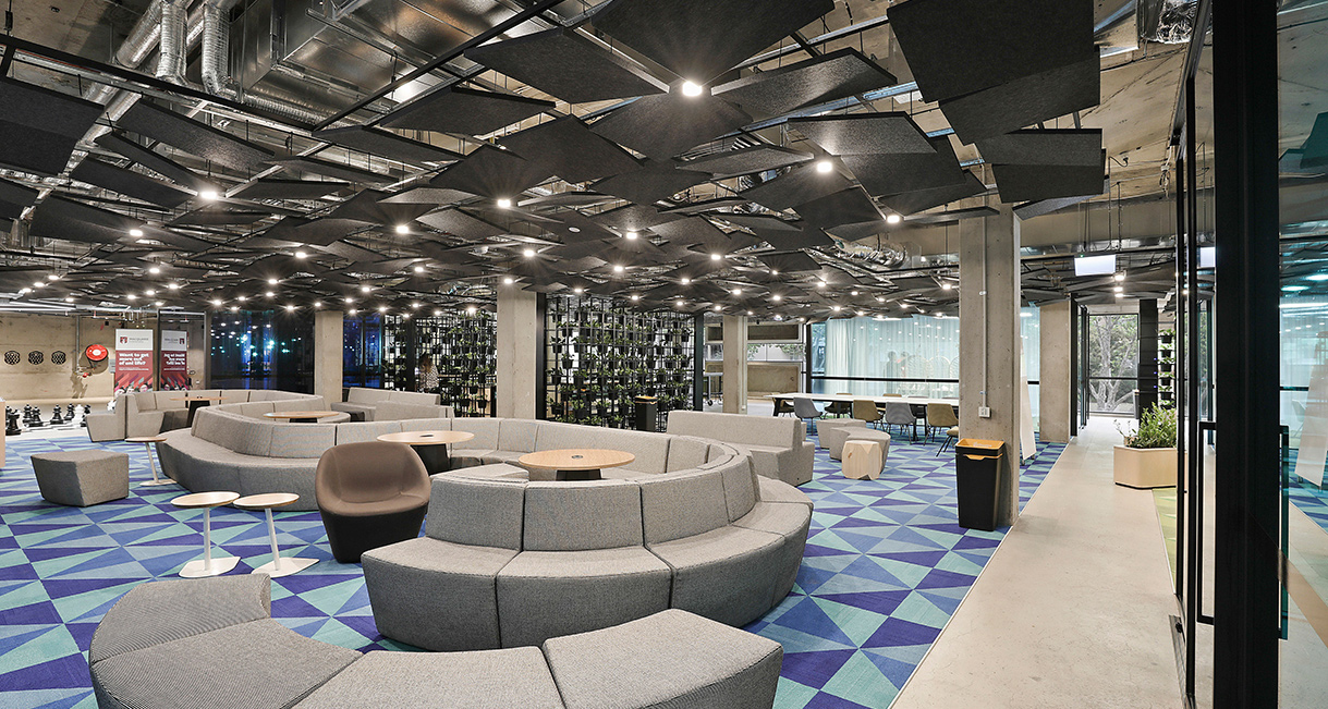 Industralight_Macquarie_University_High_loungeIndustrial_LED_Lighting